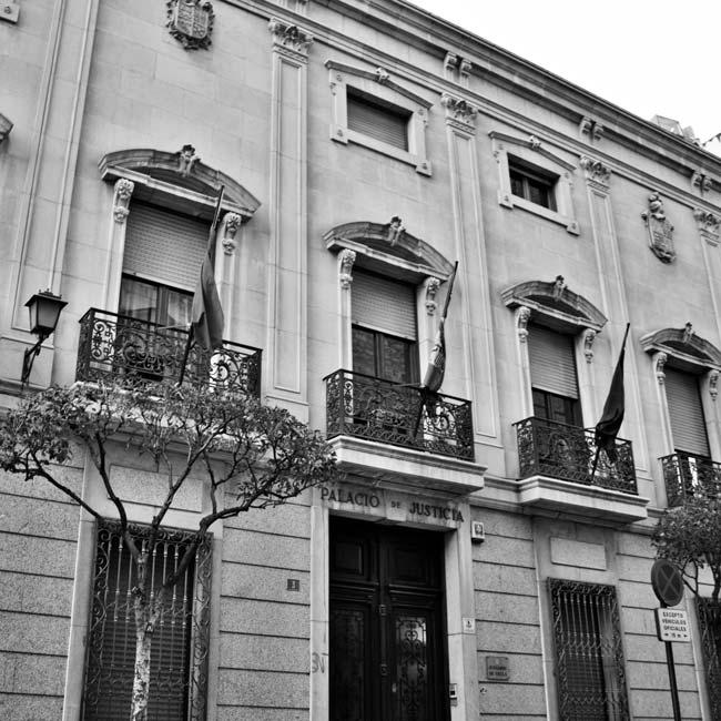 fachada Juzgados de Yecla - Estudio jurídico Ortega